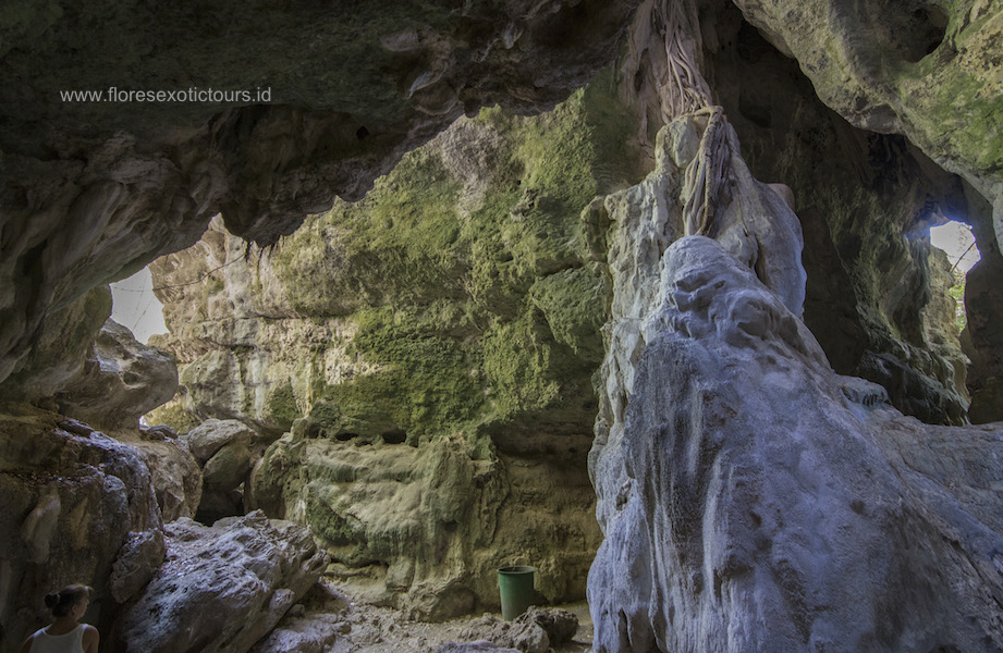 Batu Cermin cave