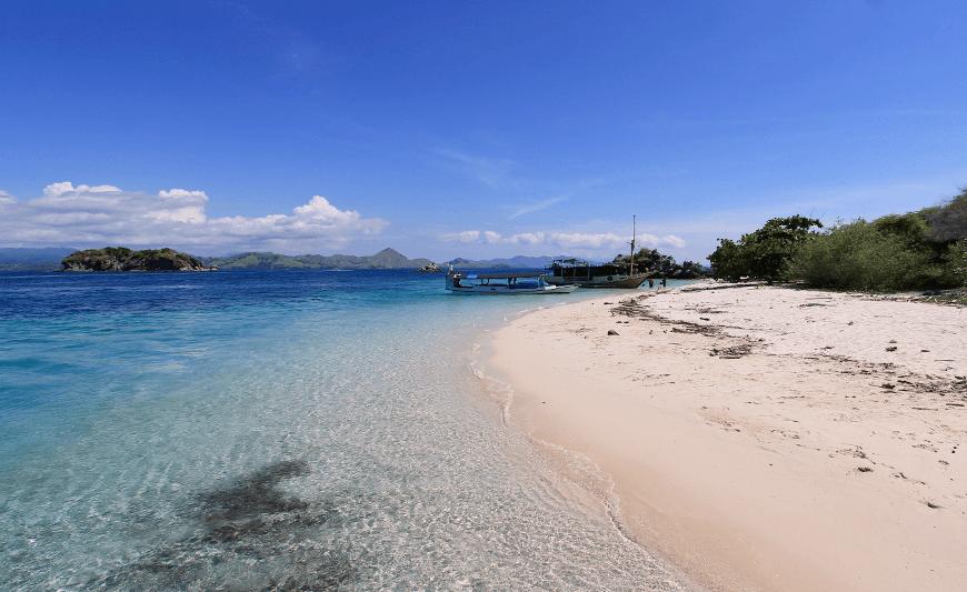 Pulau Bidadari Beach