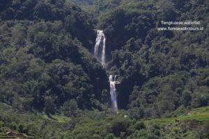 Tengkulese Waterfall