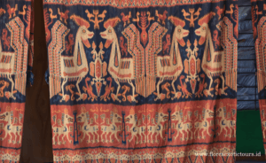 Sumba adventure tours,Motif and symbolism of the textiles in Sumba